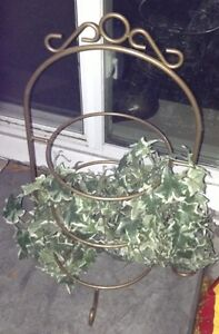 Metal planters for sale