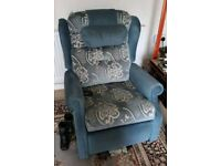 Electric riser & recliner chair