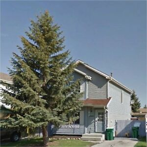 small pet friendly house in Morinville for rent