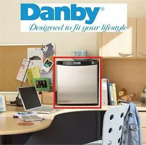 NEW* DANBY 1.6CU.FT. COMPACT REFRIGERATOR FRIDGE SMALL APPLIANCE HOME DORM STUDENT ROOM 85102474