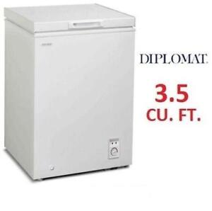 NEW* DIPLOMAT CHEST FREEZER DCFM036C1WM 199404856 3.5 CU. FT. COMPACT FREEZER WHITE