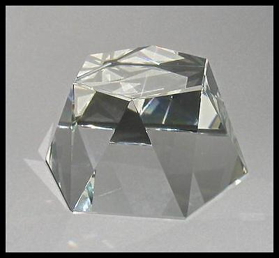 BEAUTIFUL AUSTRIAN CUT CRYSTAL FACETED FIGURINE STAND