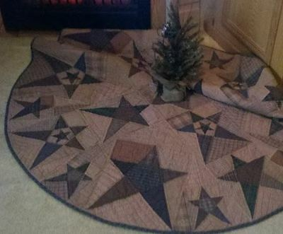 "PRIMITIVE STAR QUILTED COUNTRY CHRISTMAS TREE SKIRT APPROX. 58"" D TEA DYED"