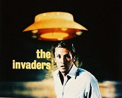 ROY THINNES AS DAVID VINCENT FROM THE INVADE 8X10 PHOTO