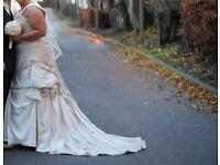 Wedding dress size 20/22 essence of australia