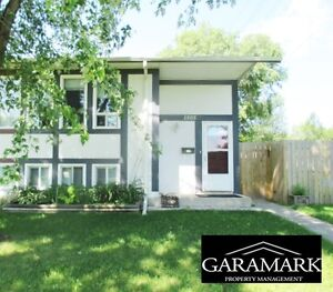 Side by Side on Day, $1395.00, 3BR + gas, hydro,  water (K408)