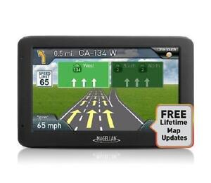 "Magellan RoadMate 5520-LM - 5"" Wide Touchsreen GPS Navigator - Free Liftime Map Updates"