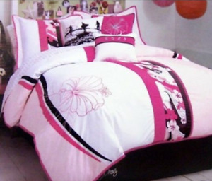 Queen Duvet Set - Roxy Room