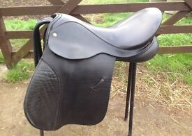 Black Country saddle, 18 inch, wide fit