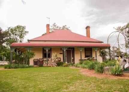 Character filled home just under 1 acre Molong