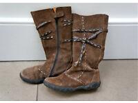 Girls boots – size 30/UK 12