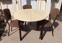 Wood round table and 3 brown metal chairs