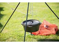 Campfire TRIPOD and CAULDRON (Dutch Oven) Brand New Never used