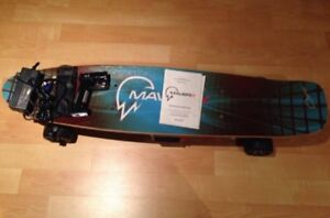 Electric skateboard maverix 600