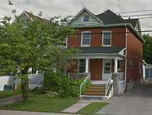 LUXURIOUSLY RENOVATED CRAFTSMAN HOME IN DOWNTOWN ST. THOMAS
