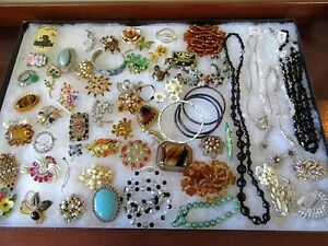 Wanted - Cash Paid - Good Quality Vintage Costume Jewellery London Ontario image 1