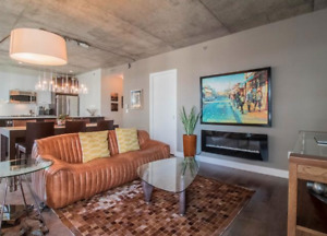 * GRIFFINTOWN * 2 BED CONDO + PARKING & LOCKER - LARGE BALCON