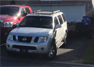 STOLEN - Nissan Pathfinder and Utility Trailer full of lumber