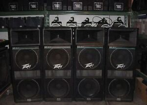 1 Set of Peavey SP4XT