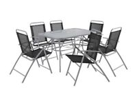 Argos garden table with 6 chairs and parasol £30