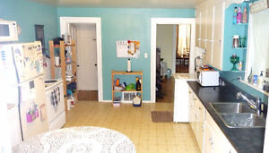 Small room,big house,central,5 appliances,web,heat & hydro incl Peterborough Peterborough Area image 4