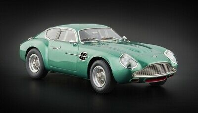 1961 ASTON MARTIN DB4 GT ZAGATO GREEN 1/18 DIECAST MODEL CAR BY CMC 132