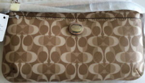 New with tags Coach Wallet Clutch
