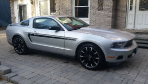 2012 Ford Mustang Club of America Coupe (2 door)
