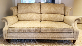 DELIVERY INCLUDED VGC elegant 2 seater cream patterned fabric sofa