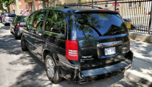 chrysler town and country limited edition stow and go