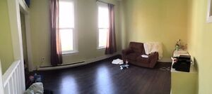2 Bedroom Apartment - Sept 1 - Morris St - $1300 All In