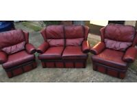 Leather Sofa and armchairs GREAT Condition I CAN DELIVER FREE LOCALLY