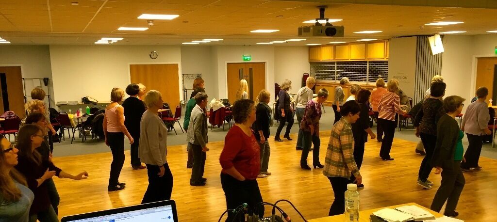 ABSOLUTE BEGINNERS LINE DANCE CLASS (EXCELLENT XMAS GIFT IDEA)