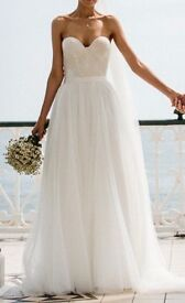 Wedding Dress was £2100 new Sassi Halford and Half Penny London Combined to Make Beautiful Dress