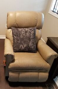 Leather Recliner Buy Or Sell Chairs Amp Recliners In