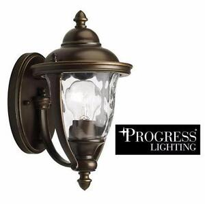 NEW PROGRESS LIGHTING WALL LANTERN   Prestwick Collection 1-Light Oil-Rubbed Bronze Outdoor Wall Lantern 93348722