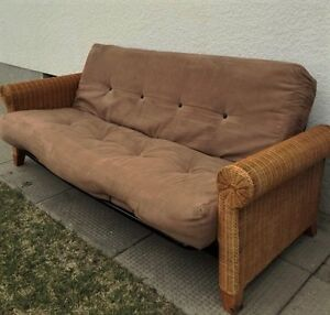 FUTON METAL FRAME WICKER SIDES EXCELLENT AND CLEAN 8 IN MATTRESS