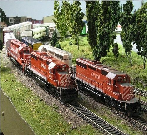 OO Gauge Model Railroad Trains