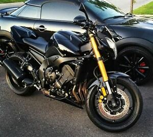 2011 Yamaha FZ8 - Priced to Sell, Extremely Low KM's - $7000
