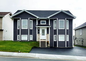 Stunning 4 Bedroom available May or June 1 (Furnished Option)!