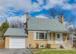 SPECTACULAR HOUSE FOR RENT **UPPER LEVEL-HEART OF RICHMOND HILL