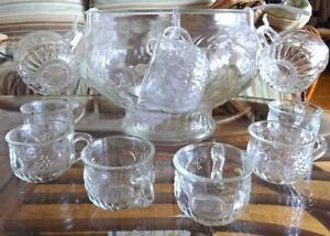 VINTAGE PUNCH BOWL SET 12 CUPS MADE IN CANADA