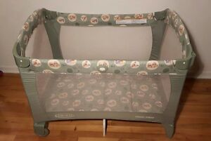 GRACO PLAYPEN PACK N' PLAY / PARC POUR BEBE