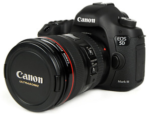Canon EOS 5D Mark III with EF Lens 24-105 and Battery Grip