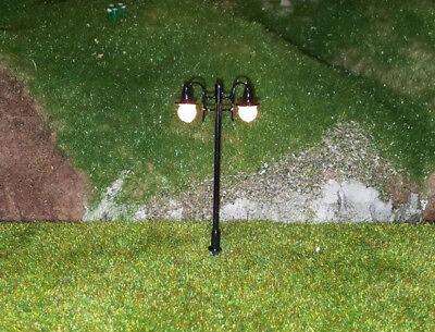 5 Stückneue Modellbaulampen 2-flammig H0, (RM104)