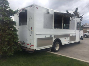 Newly Built 2004 Ford Food Truck for Sale