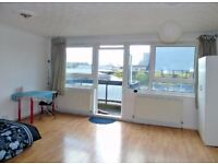 ATTENTION! ROOMS SEARCHES, THIS IS IT, 200PW, BALCONY, E10DT, ZONE 1, 10 MINS LIVERPOOL ST, CALL NOW