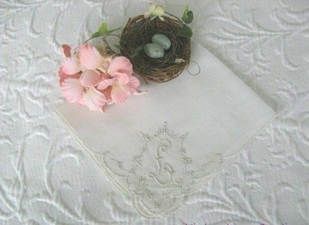 BEAUTIFUL Antique BRIDAL * MADEIRA Embroidery MONOGRAM L * VINTAGE WEDDING HANKY