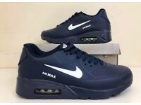 NAVEY NIKE AIR MAX TRAINERS SIZE 7 7.5 8.5 9 10 £33 FREE DELIVERY