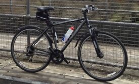 Trek 7300 Mens Hybrid Bike excellent condition.